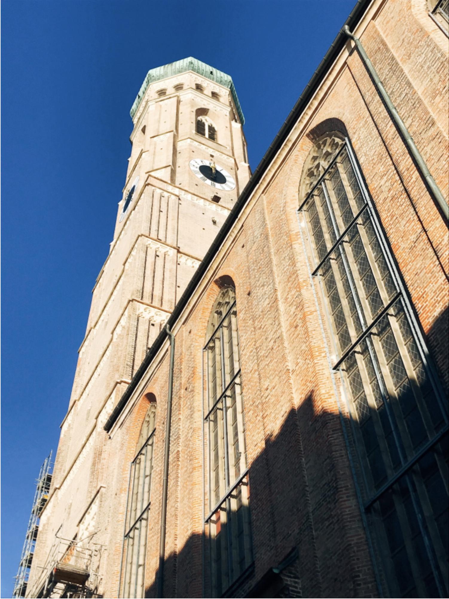 ミュンヘン市内観光 フラウエン教会 2