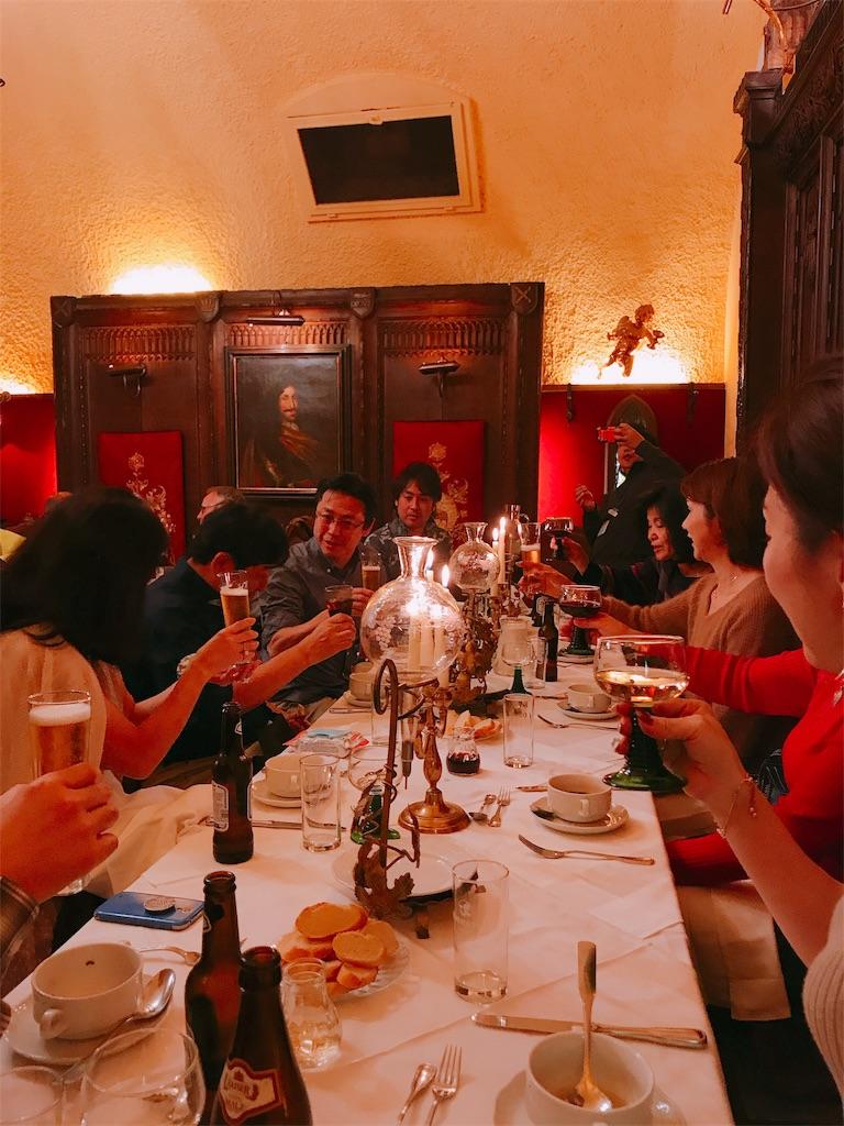 ウィーン 夕食はピアリステンケラーで!